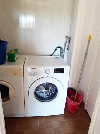 Machine à laver - sèche-linge - wc